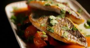 レシピ#4 タイのポワレ サルサソース Seabream with Tomato & Herb Salsa