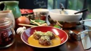 レシピ#36  肉団子入りココナッツスープ Meatballs in fragrant coconut broth