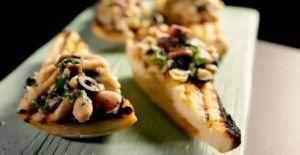 レシピ#89 白インゲン豆とアンチョビーのクロスティーニ Cannellini bean crostini with anchovy & olive