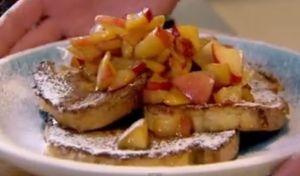 朝食#16  フレンチトーストの煮込みリンゴ添え cinnamon eggy bread with quick stewed apples