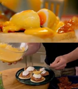 eggs benedict with parma ham panorama